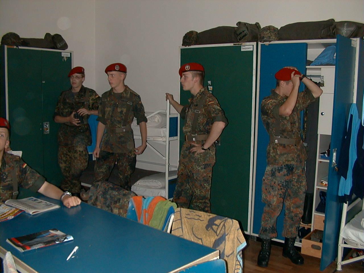 Etagenbetten Bundeswehr : Bundeswehr etagenbetten kaufen bett schlafzimmer möbel